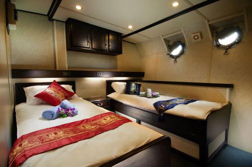Truk Master Premium Twin/Double Cabin