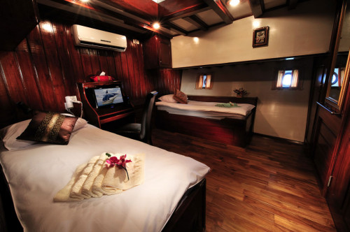 Philippine Siren Premium Twin Cabin