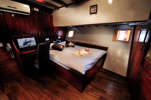 Philippine Siren Premium Double Cabin