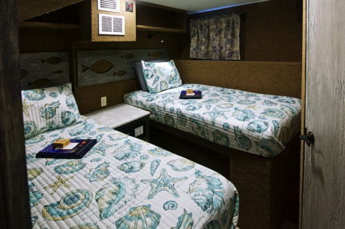 Cayman Aggressor V Twin Share Stateroom Cabin