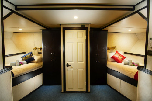 Truk Master Premium Twin Cabin
