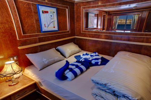 Snefro Love Double Bed Cabin