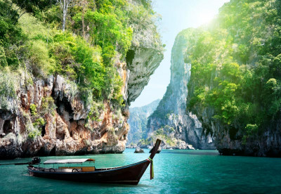 Scuba diving around Thailand beautiful islands