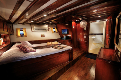 Indo Siren Premium Twin/Double Cabin