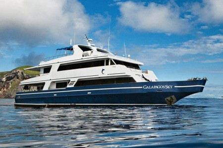 Liveaboard Diving Boat of the Month – Galapagos Sky