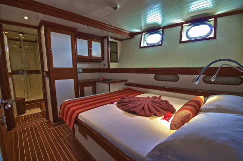Galatea Double - Lower Front Cabin